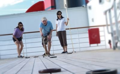 Queen Mary 2 shuffleboard