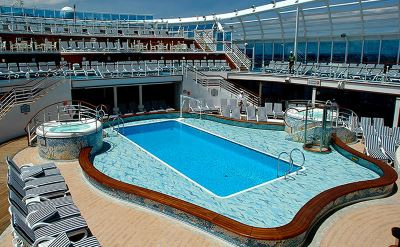 Crown Princess pool