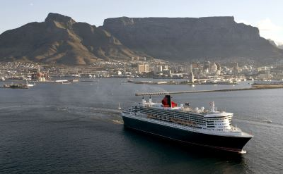 Queen Mary 2 in Cape Town